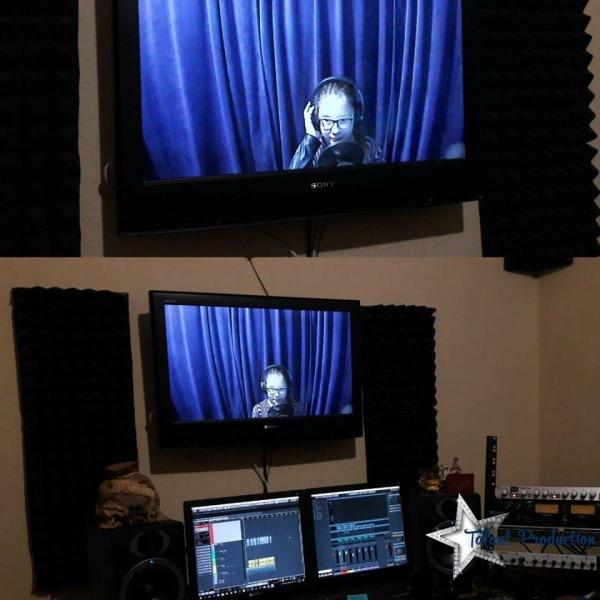 """Артистка """"Talant Production"""" Мария Радионова в студии на записи нового трека"""