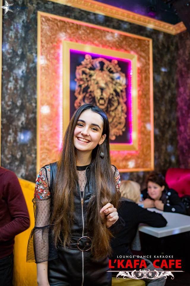 """Артистка """"Talant Production"""" Анна Тринчер 13 декабря выступила в ресторане """"L'Kafa Cafe"""", как приглашенный звездный гость вечера."""